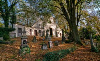 Stezka Městským hřbitovem
