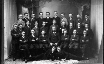 Stezka Dějiny školství